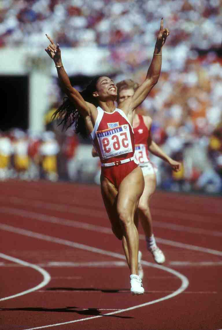 Qui détient le record du monde du 100m ?